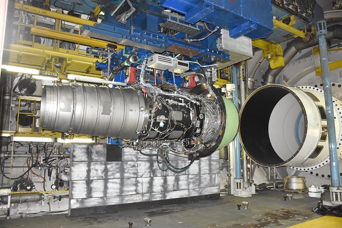Free-jet engine test at AEDC facility sets record