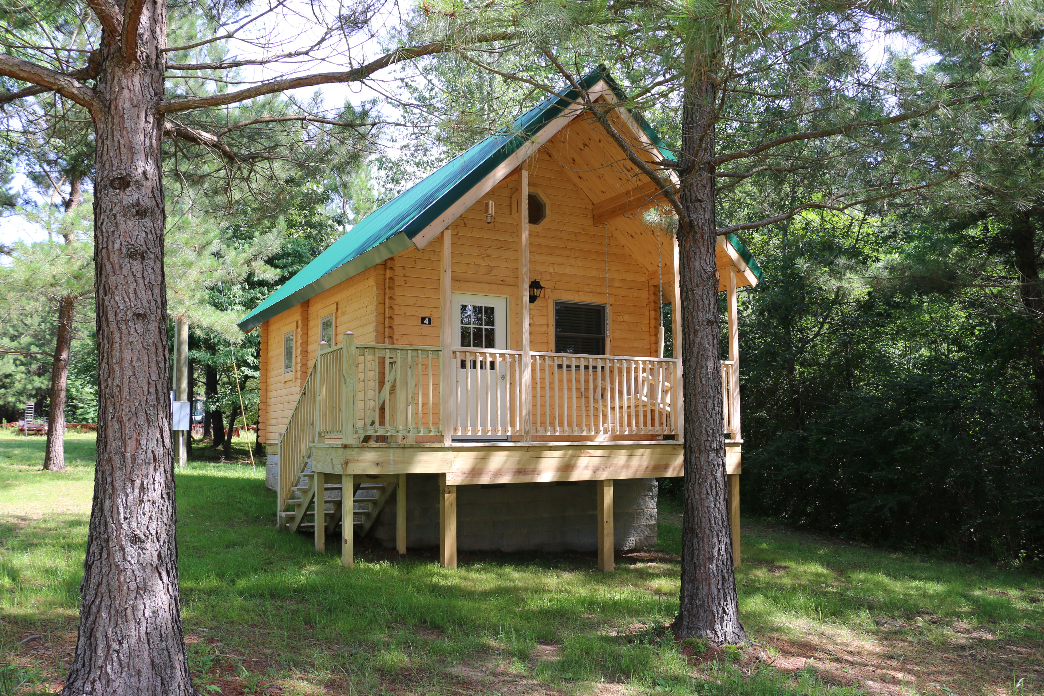 georgias s hiker hammock operated the saints georgia photograph hostel dahlonega is north robert ga in sutherland cabins near by